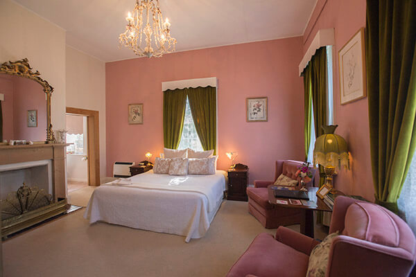 King spa room at The Racecourse Inn, Longford, Tasmania.